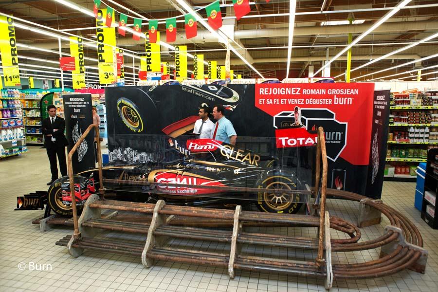 La tourn e burn f1 show car passe bordeaux for F1 bordeaux