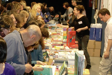 Du mercredi 20 au samedi 23 mars le 12 me salon du livre jeunesse au bouscat invitation au voyage - Invitation salon du livre ...