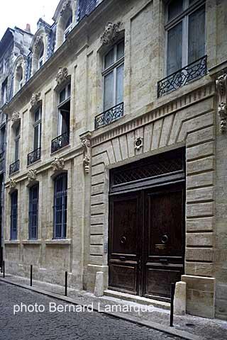 Promenade dans bordeaux avec bertrand favreau les h tels for Hotel rue lafaurie monbadon bordeaux