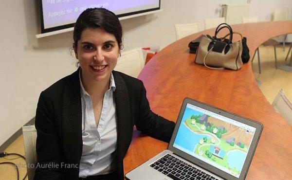 Alexandra Struk présente son jeu accessible dans sa version d'essai en décembre, disponible sur IOS, Android et web.